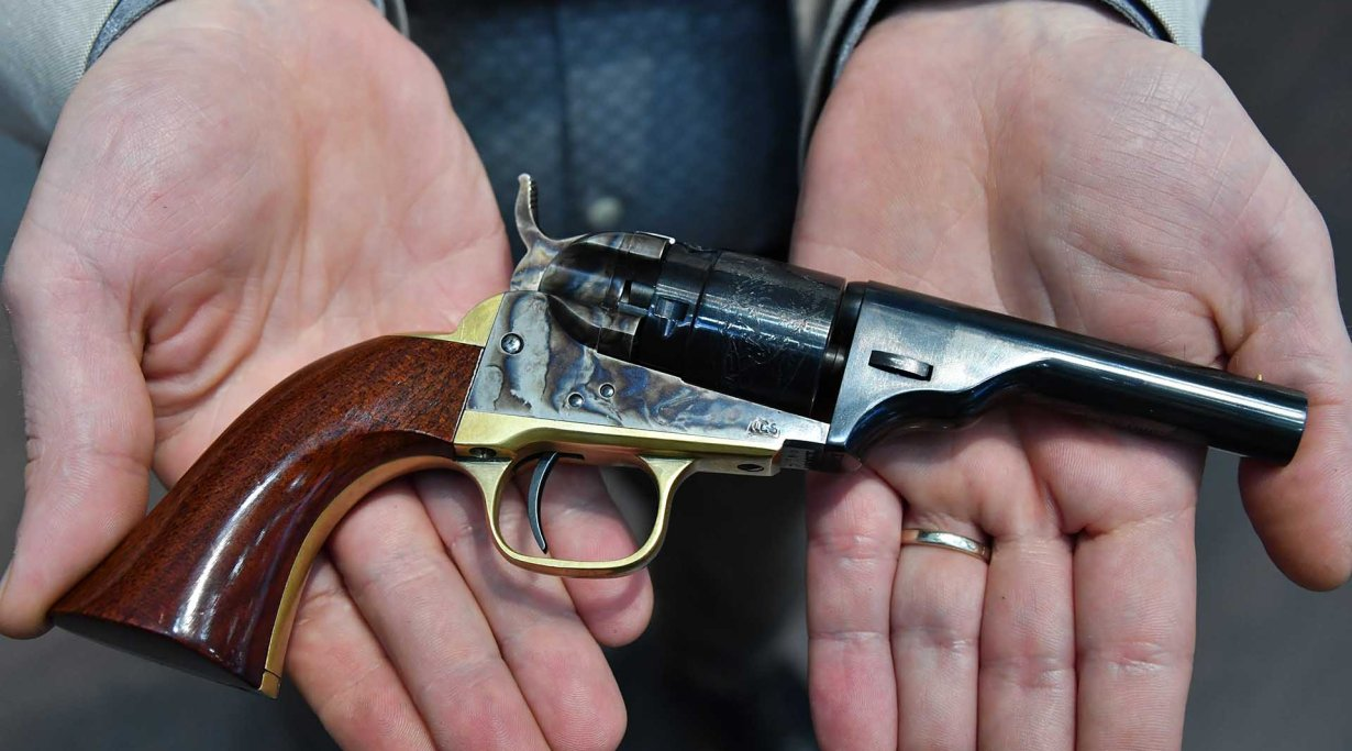Uberti Pocket 49-380-conversion Revolver