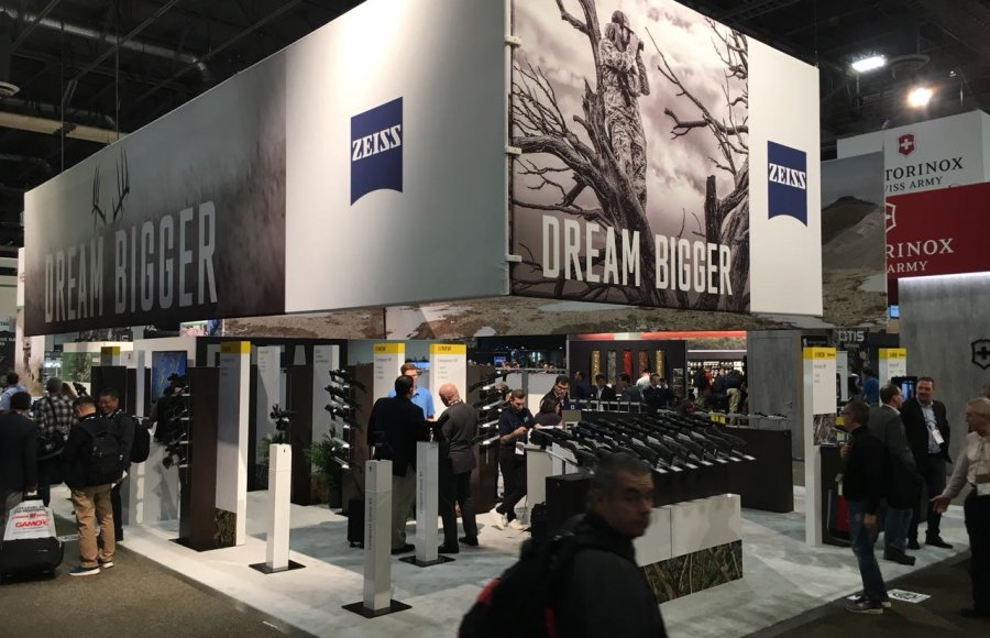 ZEISS Messestand der SHOT Show 2018