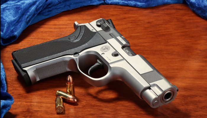 smith-und-wesson: Seltener Youngtimer: Die Smith & Wesson PC 5906 in 9 mm Luger im Test