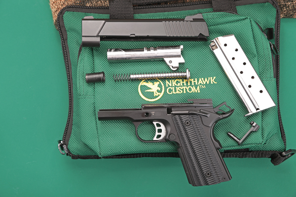 Nighthawk T4 in 9 mm Luger in zerlegtem Zustand