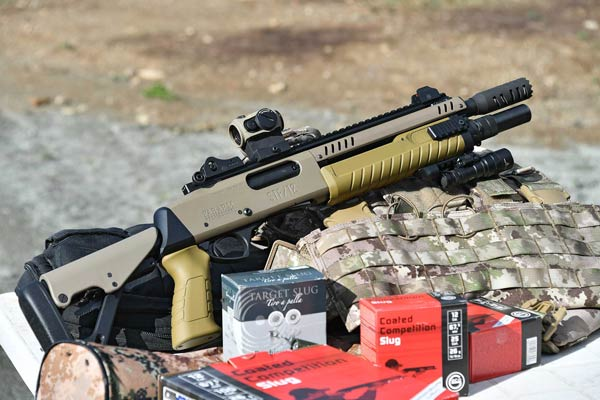 FABARM STF 12 mit Aimpoint Optik