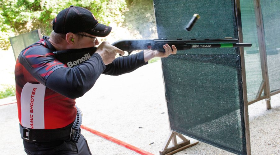 Paul Sartor mit Benelli M2 SP in Action