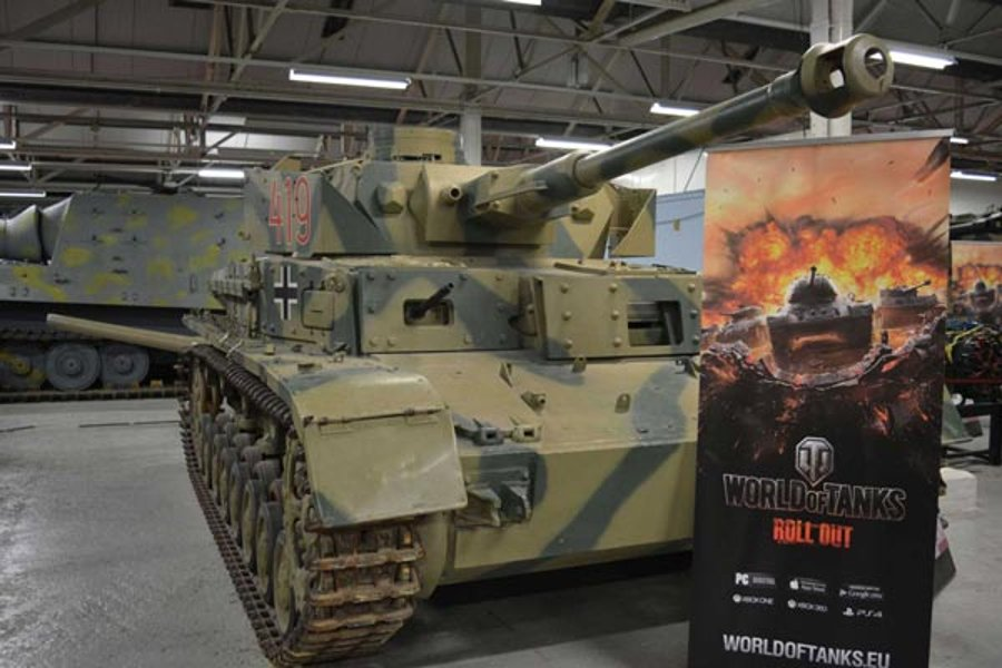 Panzer IV mit World of Tanks Schild