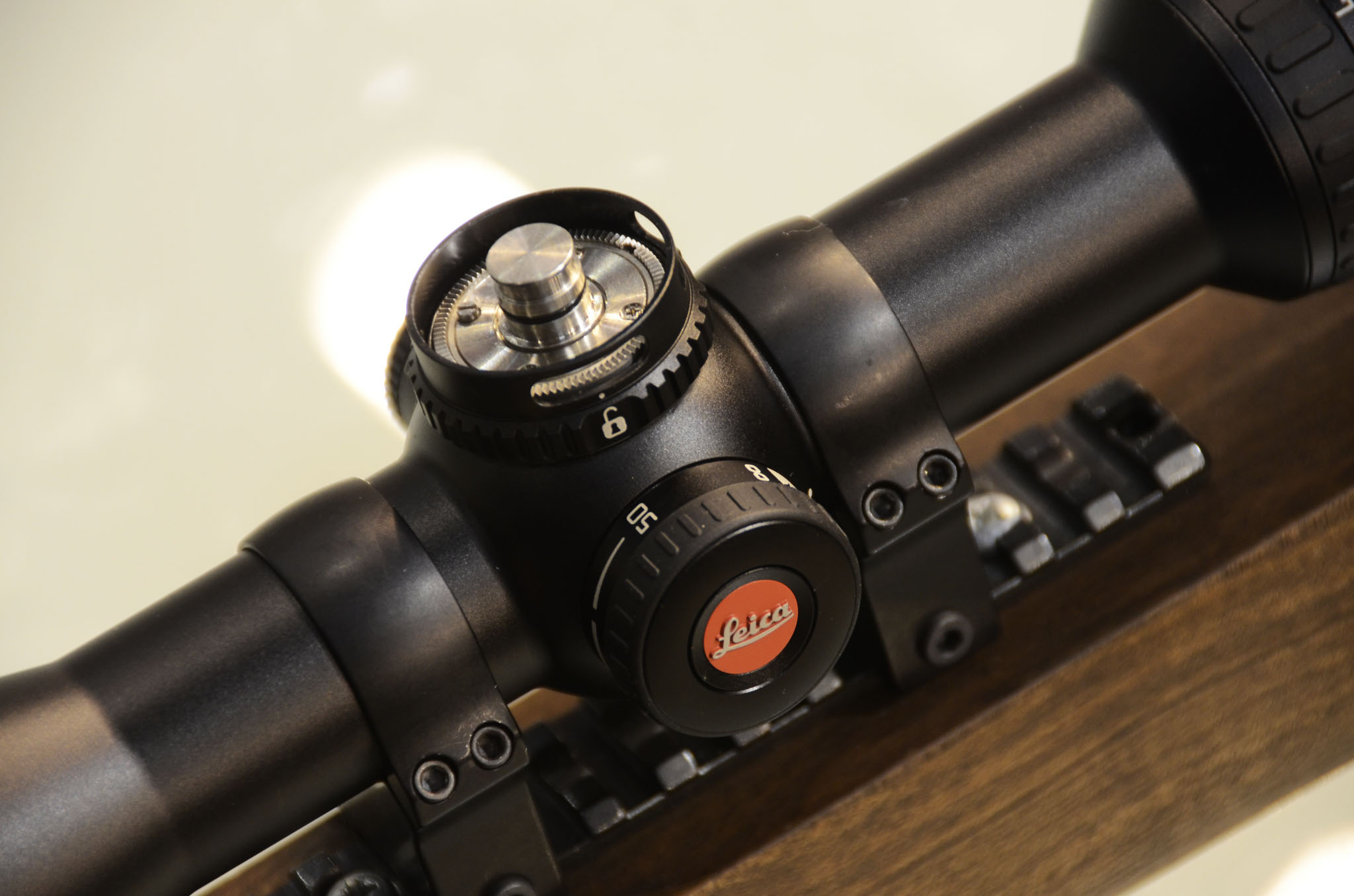 The ballistic turret of the new riflescope Leica Magnus 2.4 - 16x5: no click is lost