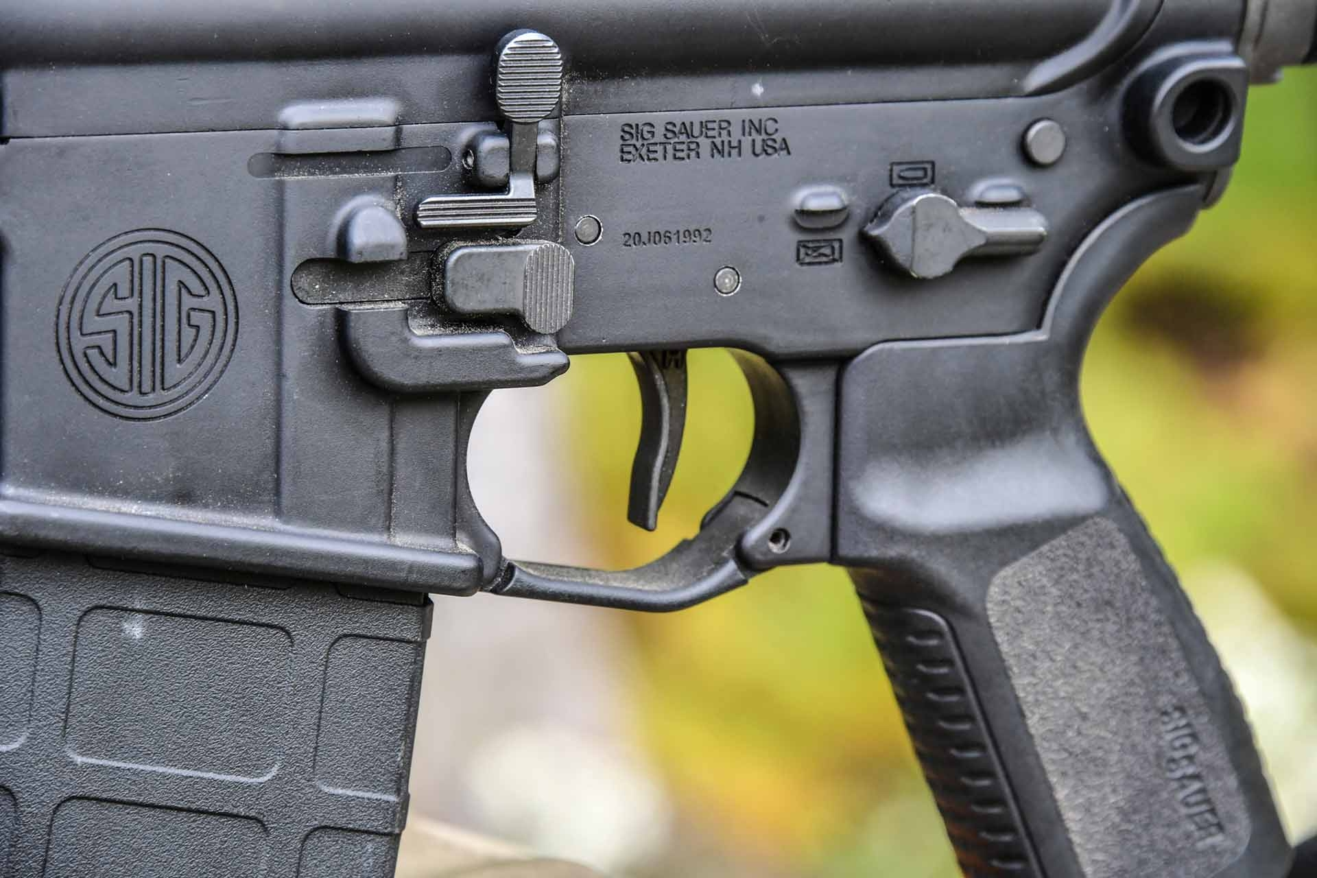 The ambidextrous controls of the SIG Sauer M400 TREAD