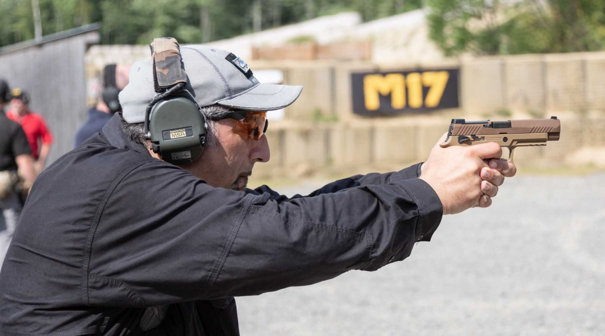 SIG Sauer P320-M17: a moment during the test