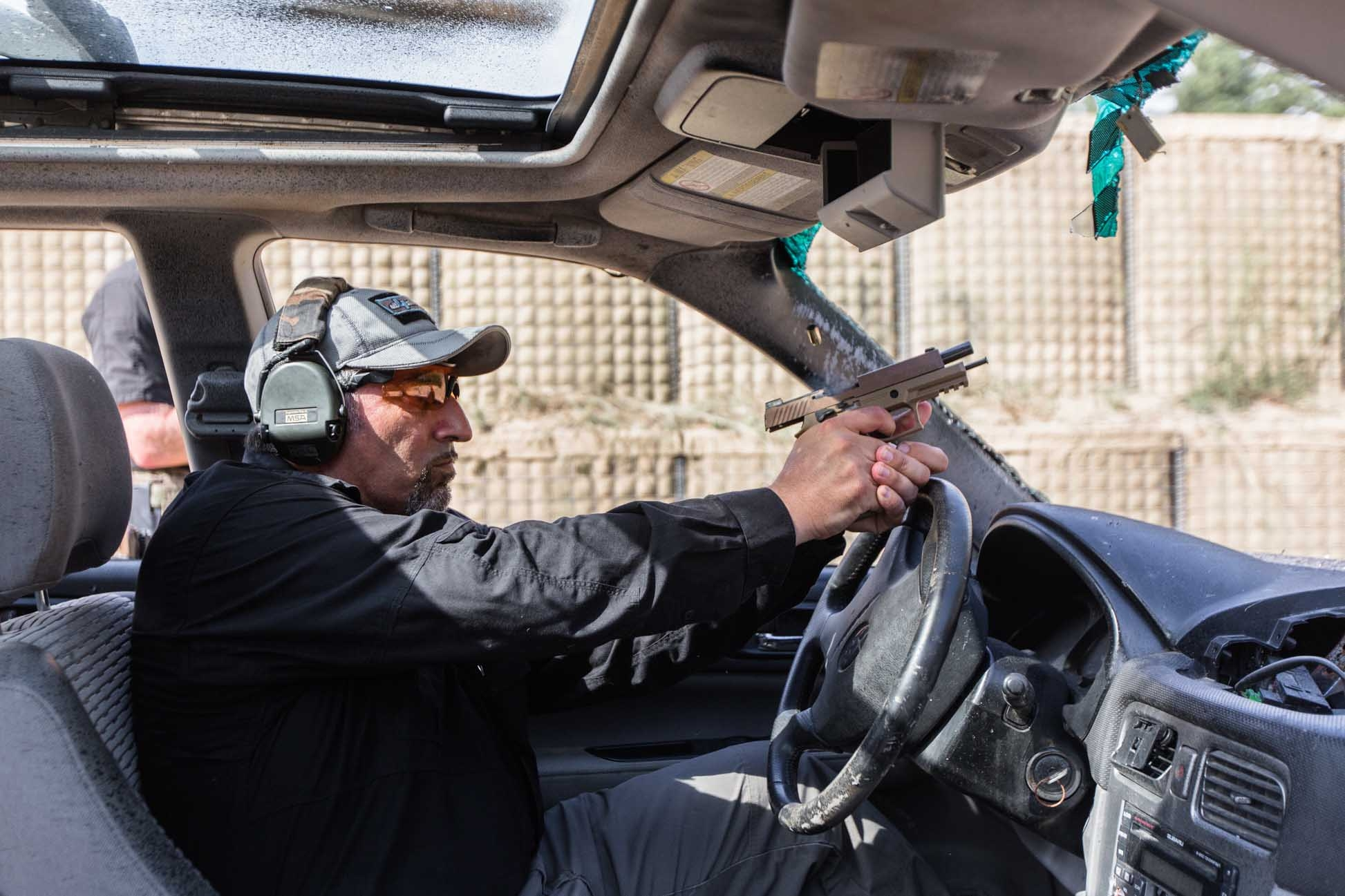 SIG Sauer P320-M17: shooting test by car