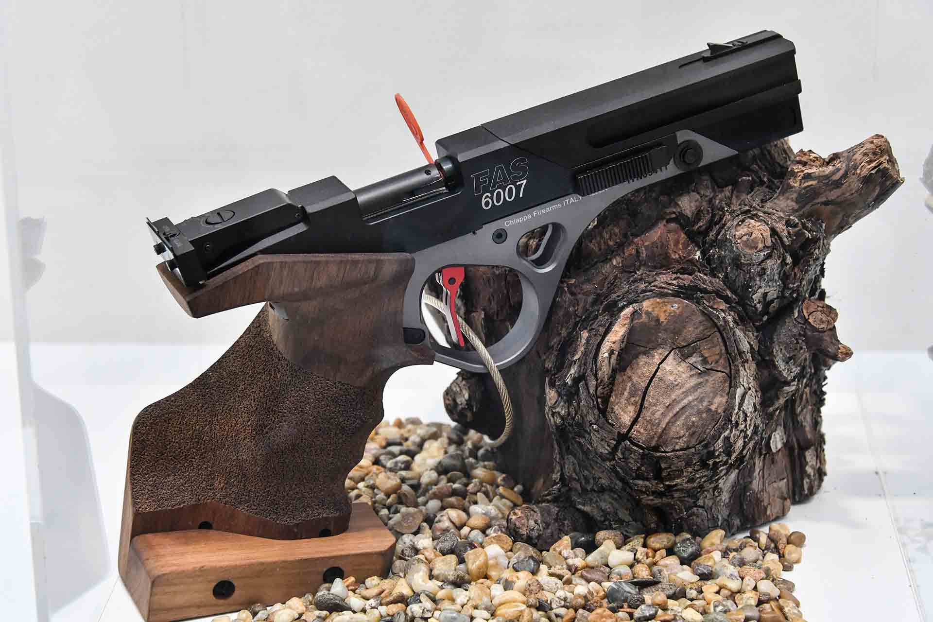 Chiappa Firearms FAS 6007 Standard Competition .22lr pistol at IWA 2018.