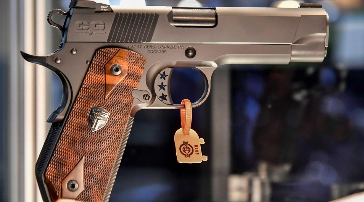 "1911-style pistol ""The Gentleman's Carry"" from Cabot Guns"