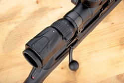 Swarovski dS 5-25×52 P riflescope: buttons for dimming
