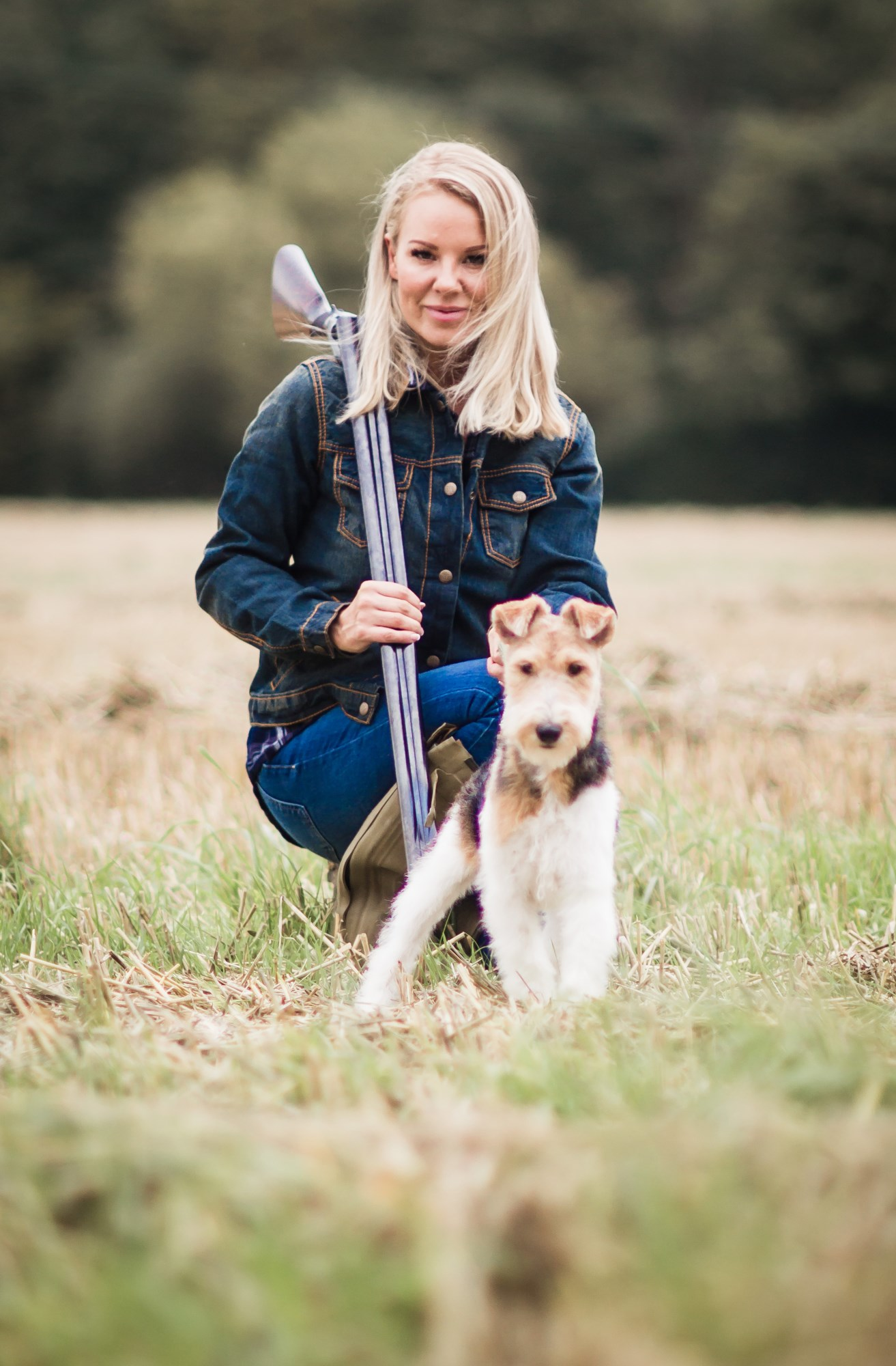 Lady hunter Rachel Carrie with her Fox Terrier