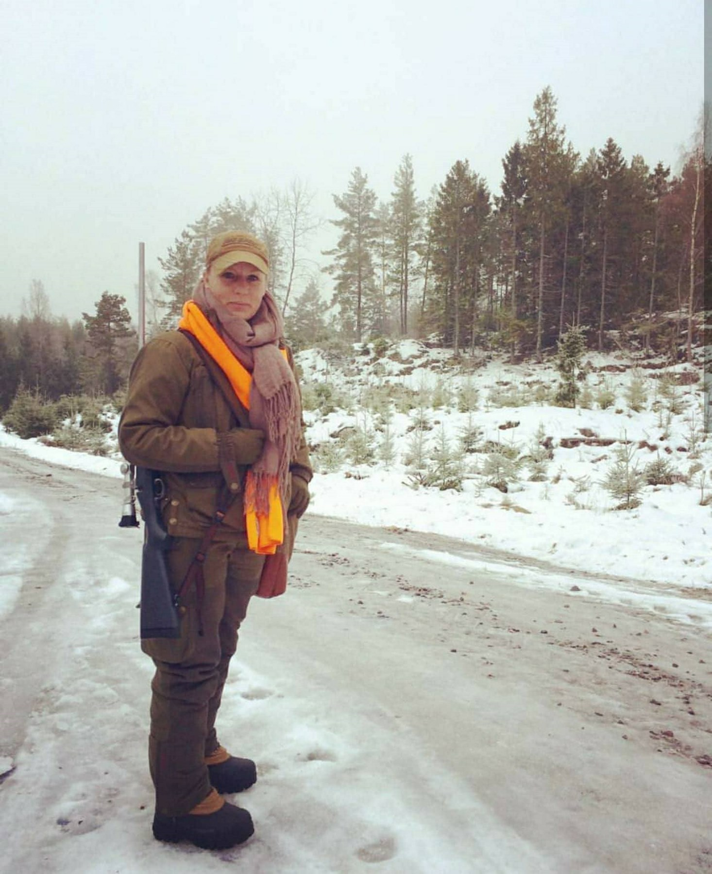 Louise Farmer in Sweden moose red roe hunting.