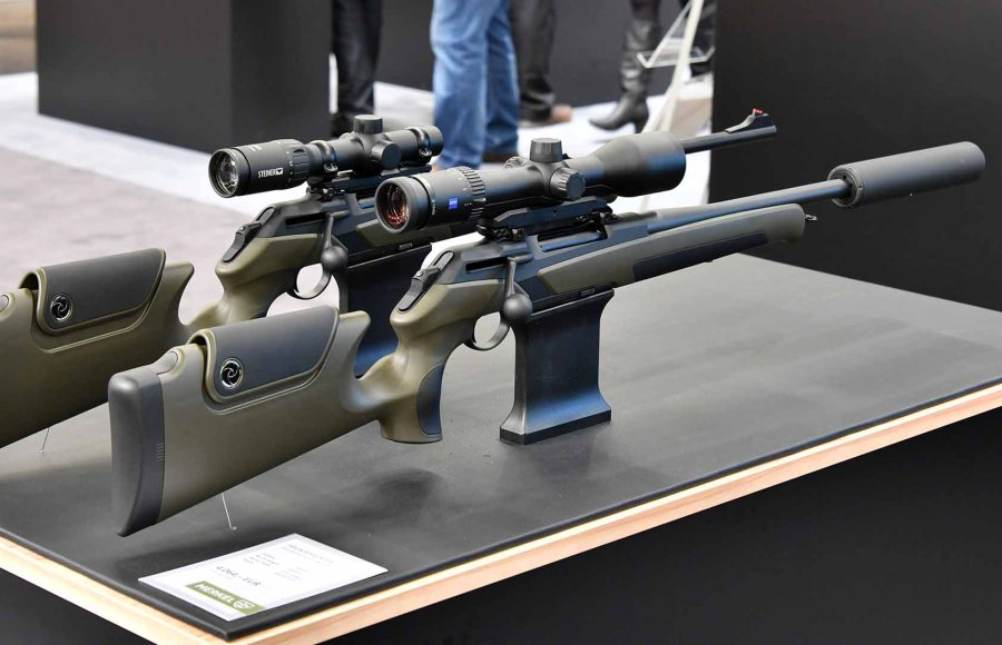 Helix Speedster hunting rifles from the right side.