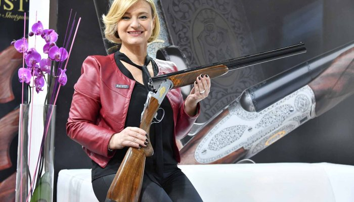 fausti-stefano-arms: Fausti Aphrodite new line of over-under shotguns for ladies