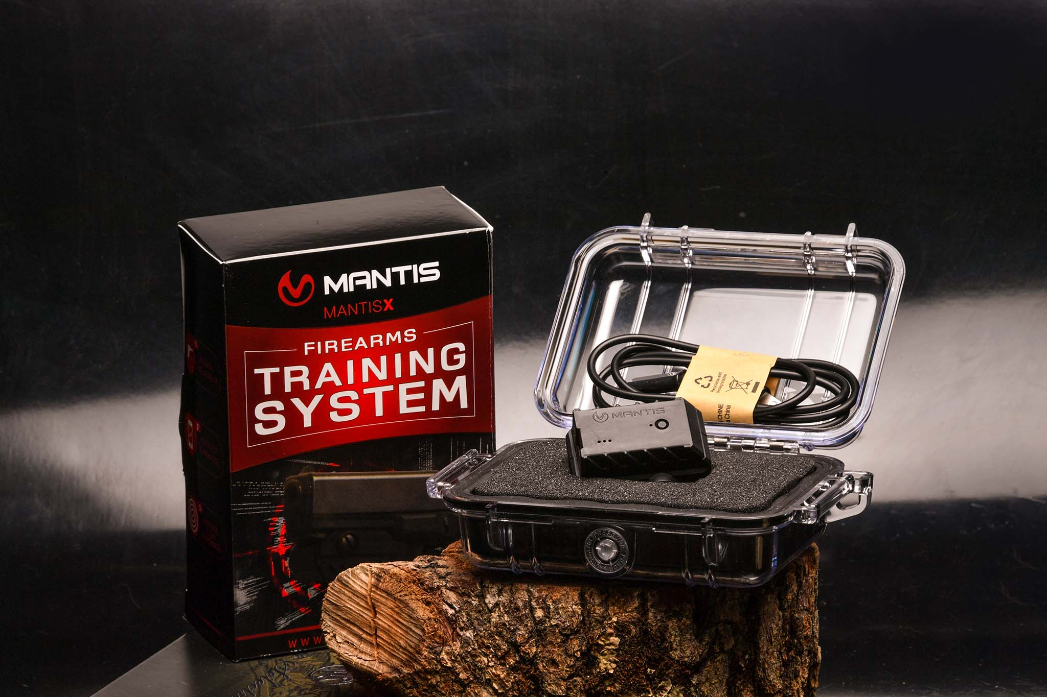 MantisX firearms training system with case