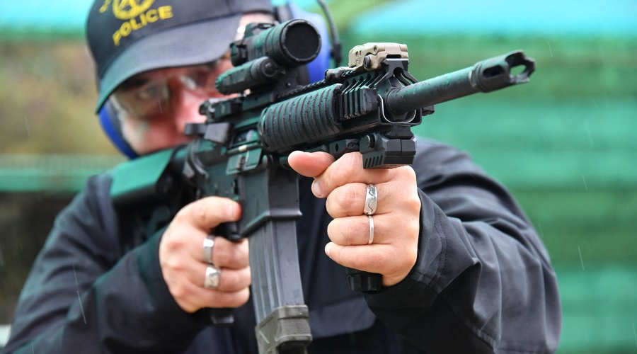 The MantisX mounted on a railed forend of a .223 M4 carbine during a live fire training session