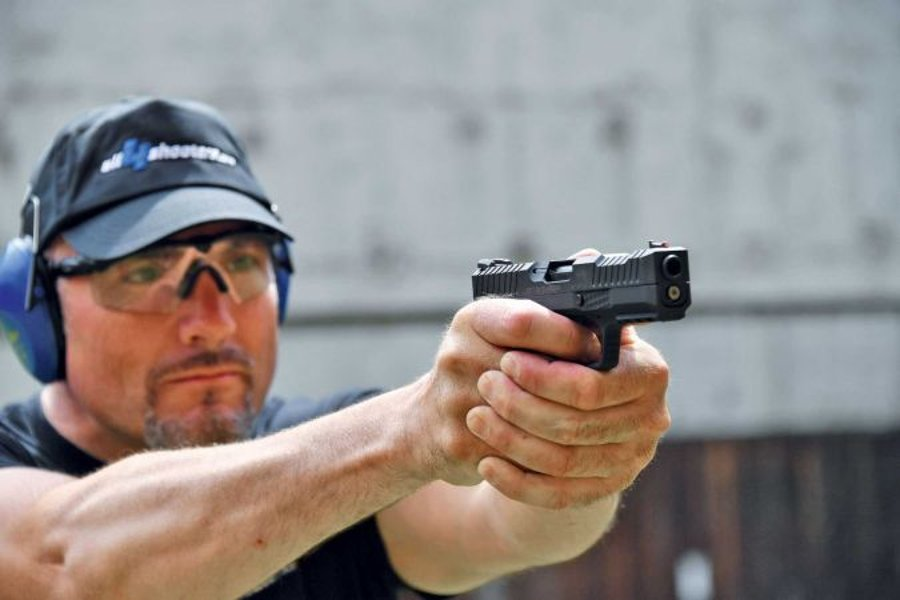 Testing the STRYK B pistol by Arsenal Firearms