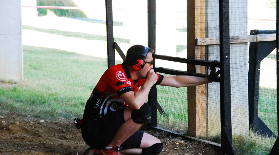 Sascha Back from the GECO IPSC team mentally prepares to take on stage 3 of the French IPSC Rifle Championship 2018