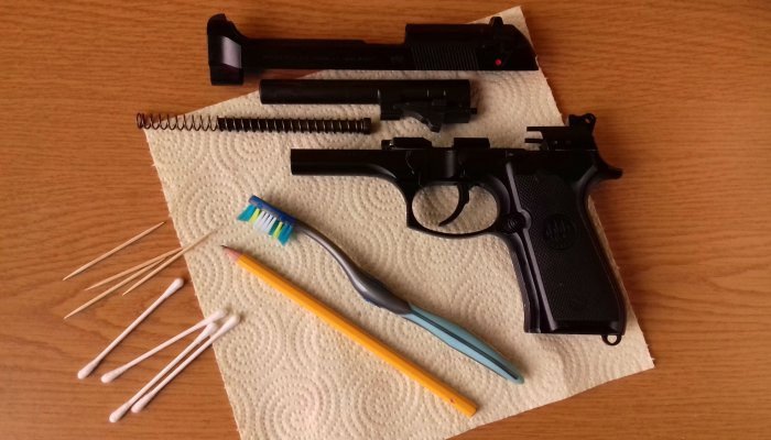 culture: Cheap tips 'n tricks: how to clean a pistol at (almost) zero cost