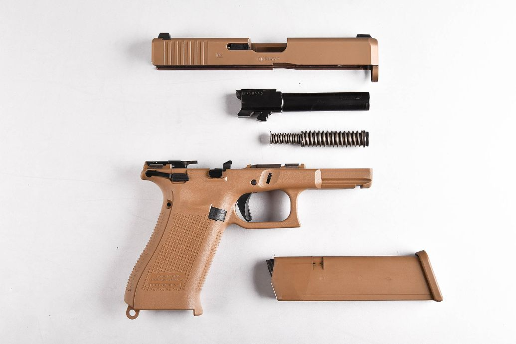 Glock 19 MHS disassembled
