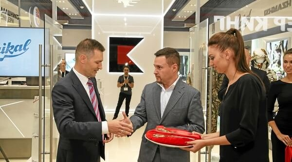 Kalashnikov celebrates the opening of its first own store