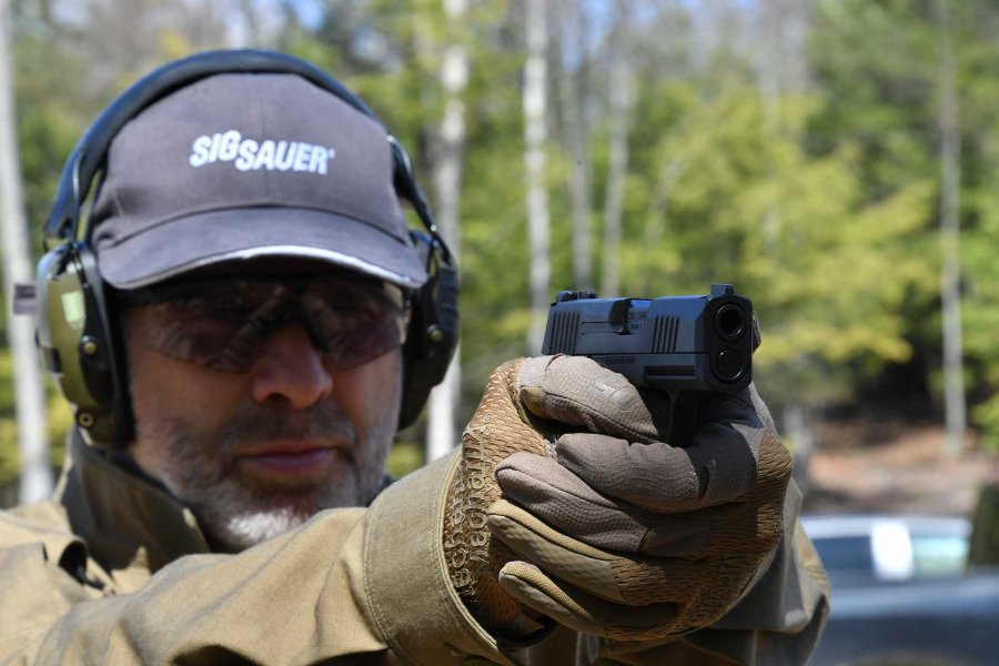Shooting test with the SIG Sauer P365 9mm pistol
