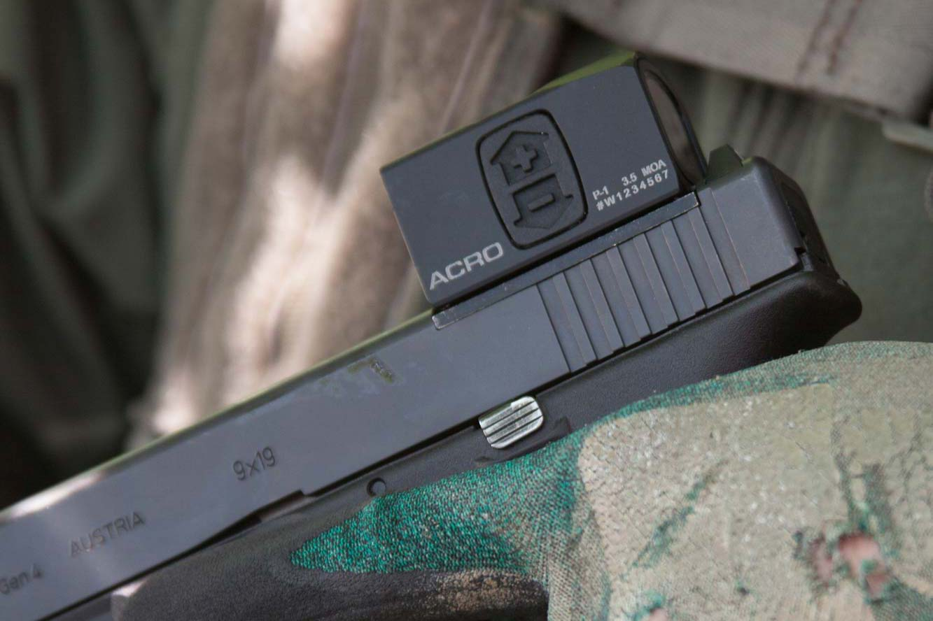 aimpoint: Aimpoint ACRO, a mini red dot sight for handguns