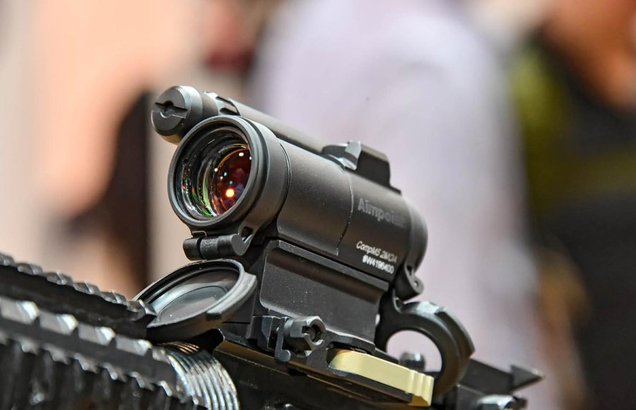 Aimpoint Comp M5 red-dot reflex sight