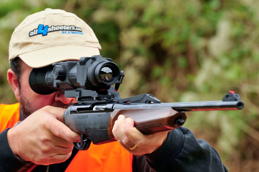 Testing the Pulsar scope mounted on the Benelli Argo E Pro
