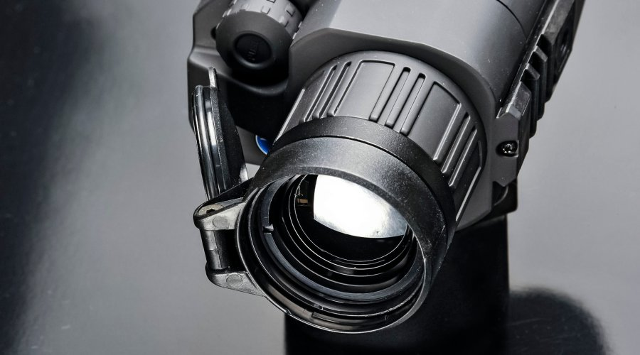 Front lens objectives of the Pulsar Quantum XQ38