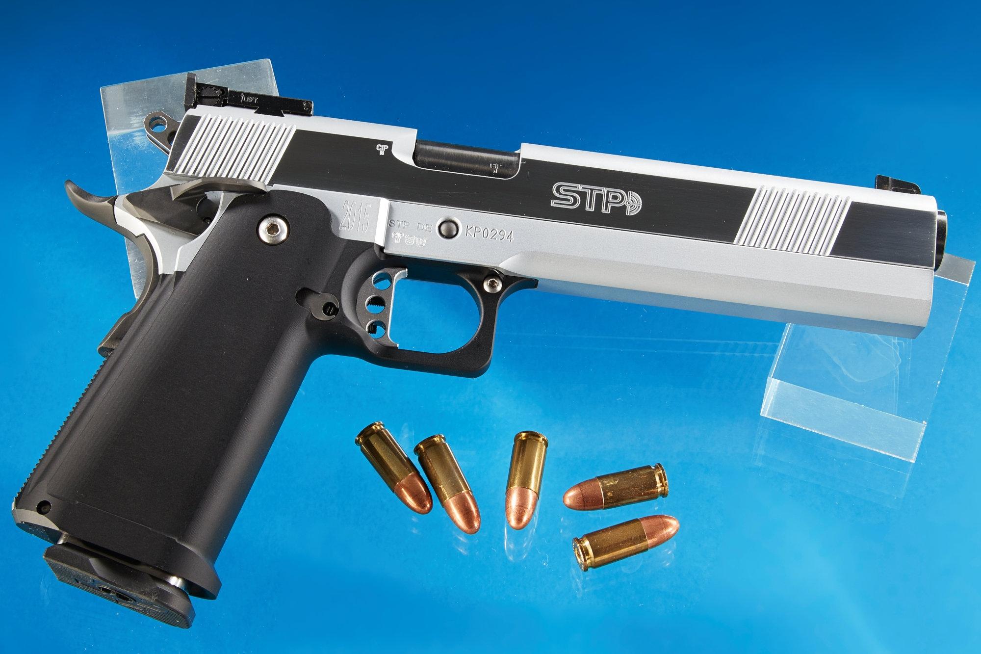 datování kovářských a wessonových pistolí steubenville ohio dating