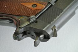 The grip of the WW1 Colt 1911 replica