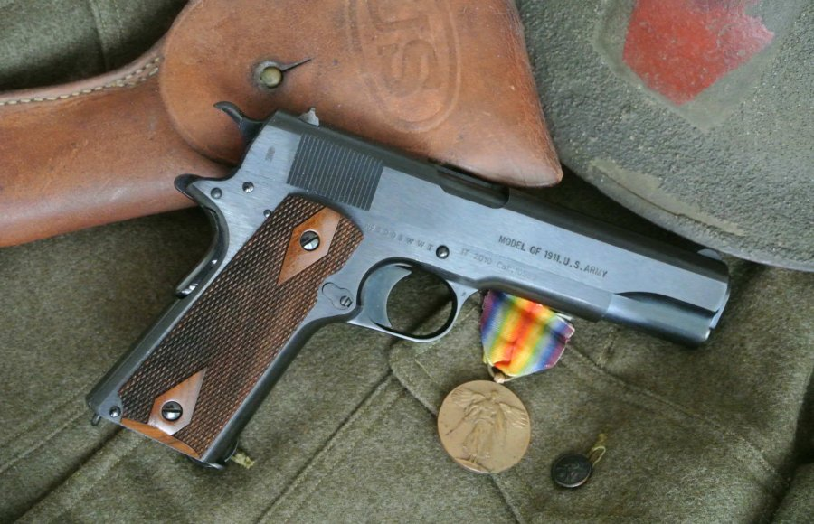 "The Colt 1911 WW1 replica ""Model 1918"""