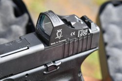 MOS series GLOCK pistol with DOCTERsight reflex system