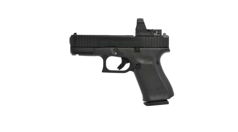 GLOCK 19 Gen5 MOS pistol with mounted mini spot light sight