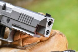 Muzzle of the SIG Sauer P226 X-Five Performance