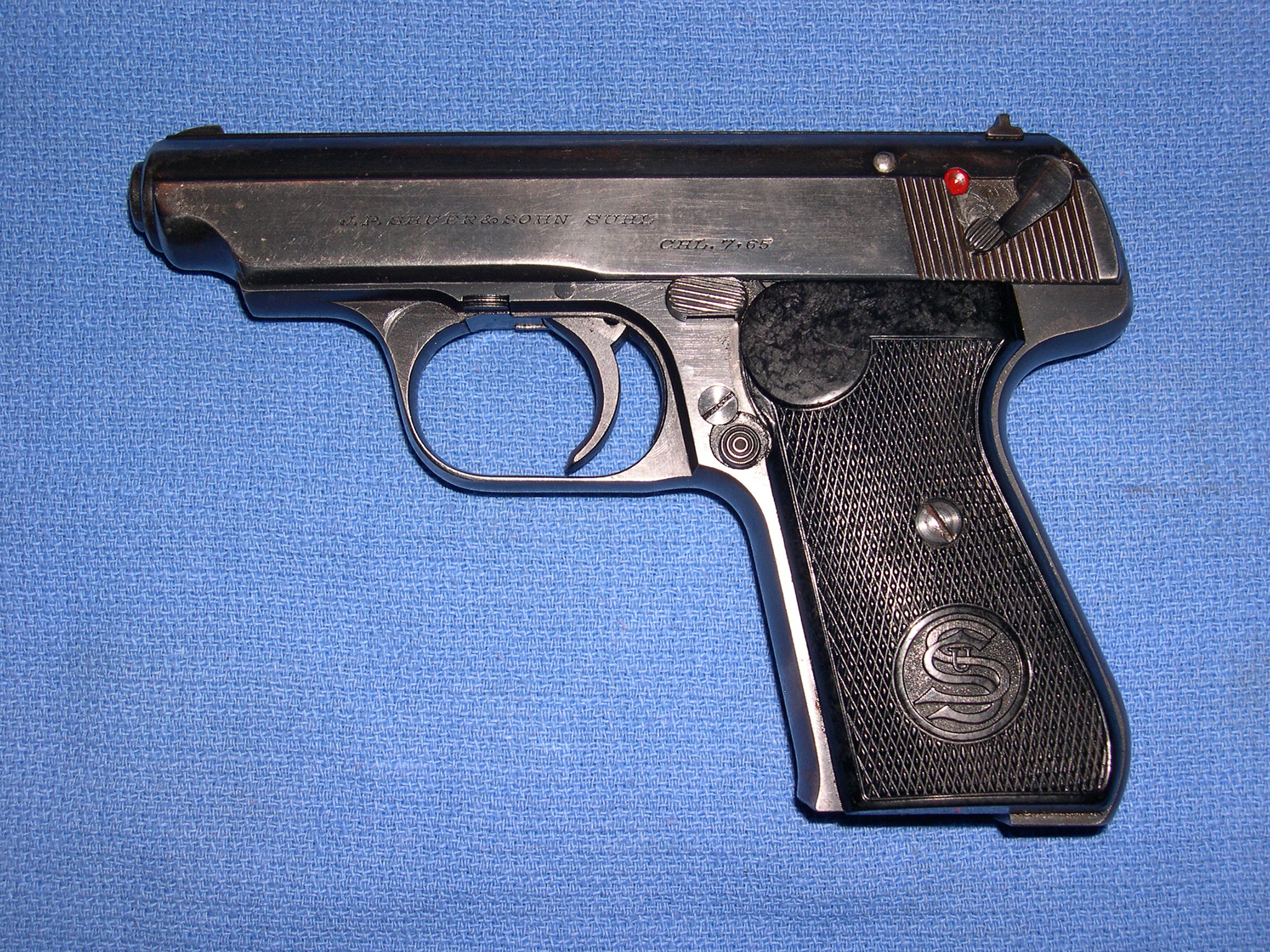 Sauer und Sohn 38H, semiautomatic pistol, chambered in 7.65 Browning caliber, left side.