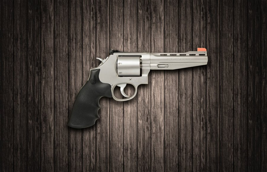 Smith & Wesson 686 and 686 Plus revolvers reinterpreted by Performance Center