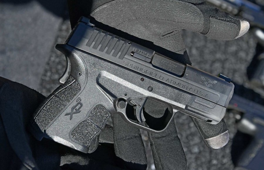 The subcompact pistol XD-S Mod.2 from Springfield Armory uses a single stack 5 or 6-round magazine.