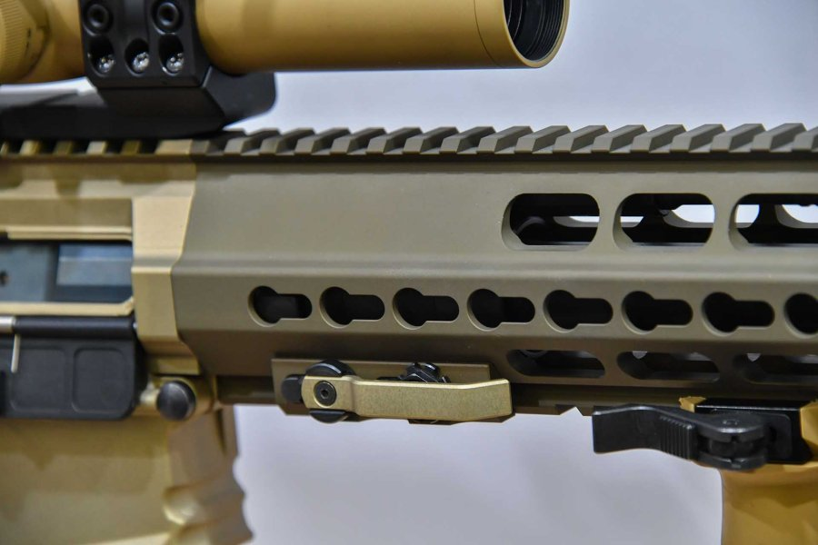The forend of the semi-auto rifle in .308 Win Haenel CR 308
