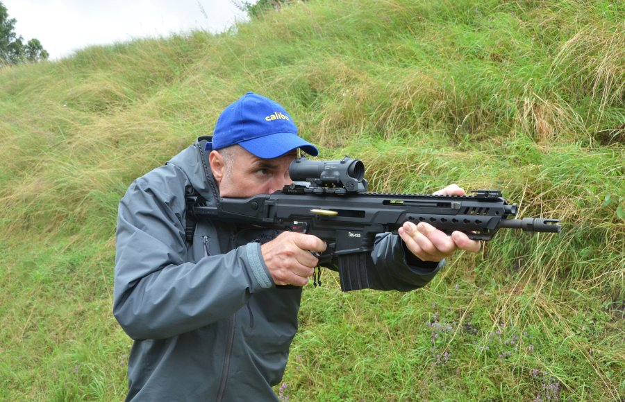 HK433 assault rifle during the practical test
