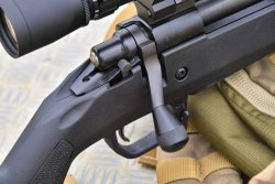 The bolt handle of the Remington 700 Magpul HB
