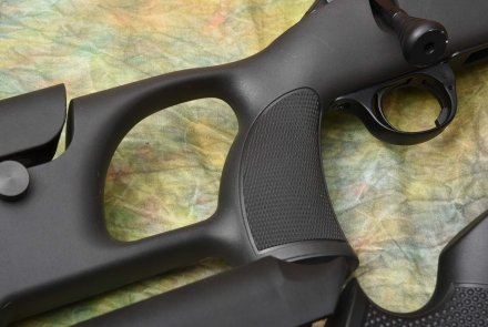The traditional checkering on the thumb-hole stock of the Sabatti Saphire Carbon Varmint version