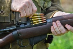 Loading of the Lee-Enfield No.4 rifle