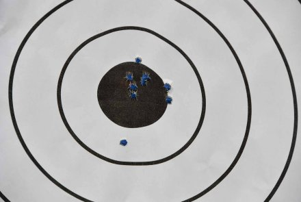 The No.4 on the range: grouping at 100 m.