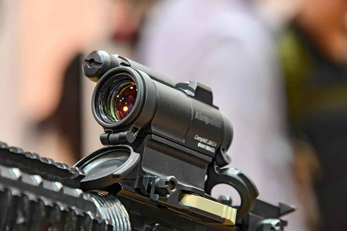 aimpoint: Aimpoint Comp M5 mirino reflex a punto rosso