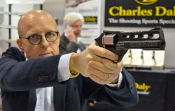 "Chiappa ""Charging Rhino"" in fiera"