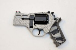 Vista laterale del revolver Chiappa White Rhino 30 DS in calibro .357 Magnum